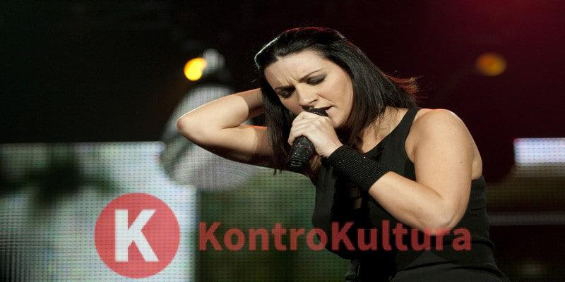 Laura Pausini, dopo la tournée due anni di stop: fischi allo stadio di Bari