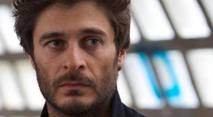 Lino Guanciale denuncia: 'Io e la mia fidanzata vittime di bullismo'