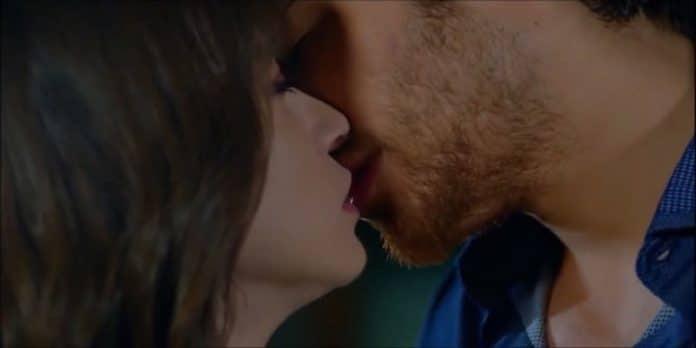 Bitter Sweet, censurato il bacio tra Nazli e Ferit: il motivo spiazza e non c'entra Mediaset