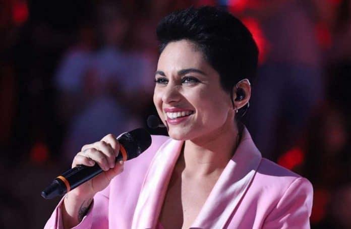 Giordana Angi canta ad Amici 18