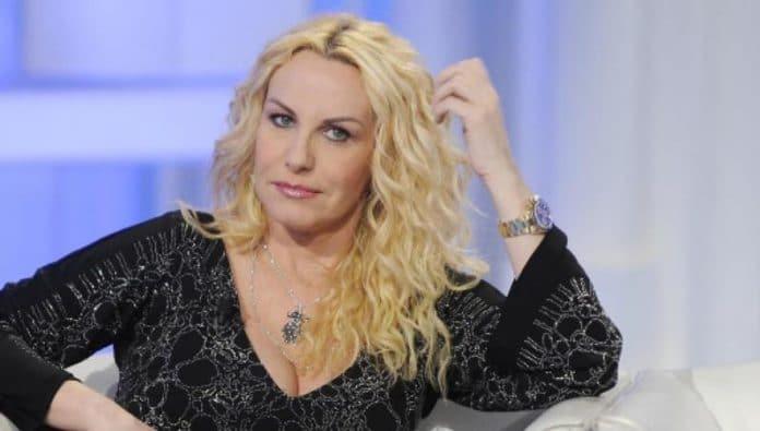 Antonella Clerici conduttrice dello Lo Zecchino d'Oro? Polemiche in Rai