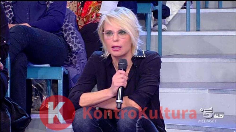 Scandalo da Maria De Filippi: 'E' assatanata, è entrata nel mio camerino e poi…non è normale' - Kontrokultura