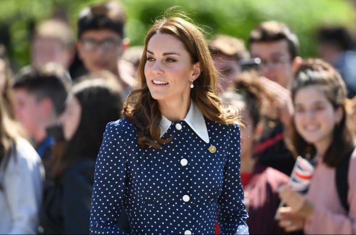 Kate Middleton con un vestito a pois