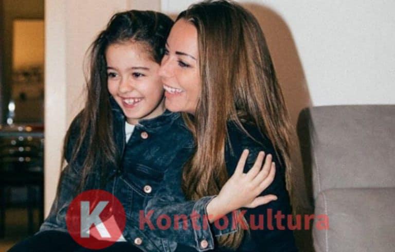 Polemica su Karina Cascella, l'influencer trucca sua figlia? Ecco il motivo