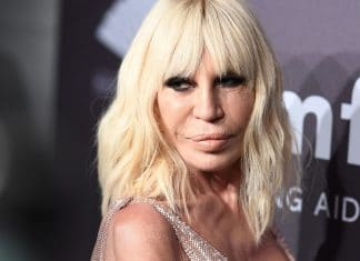 Donatella Versace in primo piano