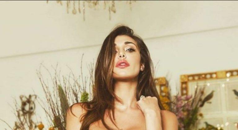 Belen Rodriguez provoca i fan lo spacco vertiginoso fa impazzire (Foto)
