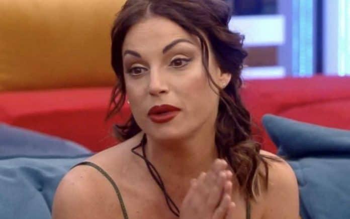 Francesca De Andrè scontro in diretta con Fabrizia a Live non è la d'Urso: spunta un audio choc