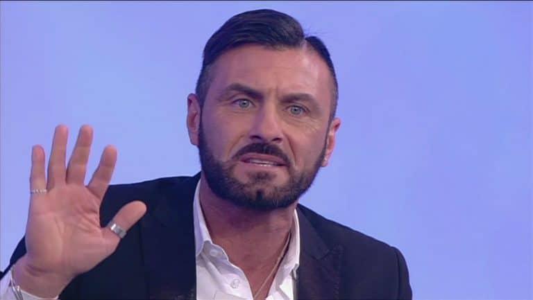 """Sossio Aruta, si candida a un noto reality: """"Vengo pure gratis!"""""""