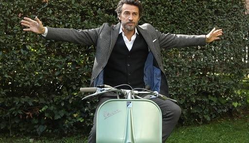 Ascolti tv 12 novembre: Enrico Piaggio domina la serata, record de Il Collegio che batte Canale 5