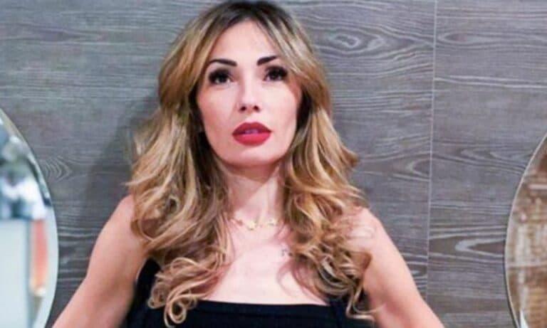 """Ida Platano nella bufera dopo la proposta, i fan notano un dettaglio: """"Solo business"""""""