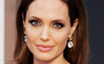 Angelina Jolie sarebbe gelosa dell'ex marito Brad Pitt