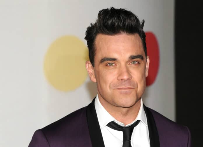 Robbie Williams critica la Sardegna: la rabbia del web