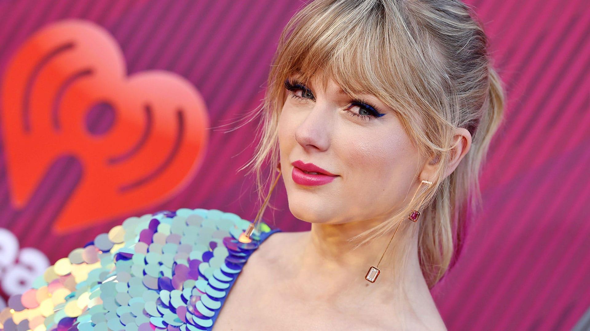 """Taylor Swift, retroscena choc: """"Volevo morire di fame"""""""