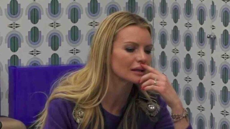 """Grande Fratello Vip, Licia Nunez in crisi:""""Era soltanto un rapporto univoco"""""""