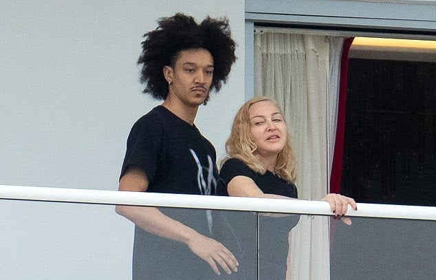 Madonna e Ahlamalik