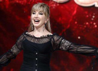 Ballando con le Stelle: Milly Carlucci starebbe per chiudere con due volti noti dello spettacolo italiano