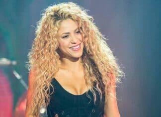 Shakira cambia look per promuovere il nuovo singolo