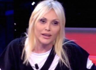 Anna Oxa fa perdere la pazienza a Silvia Toffanin
