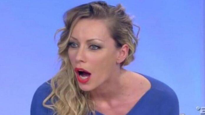 Karina Cascella critica Serena Enardu per la decisione di presentarsi al Grande Fratello Vip 4