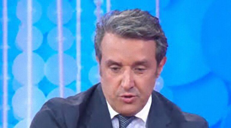 """""""Non ci sono più…"""": Flavio Insinna, arriva il triste annuncio a L'Eredità"""