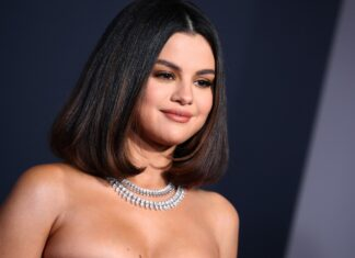 Selena Gomez: discorso commovente ai fan