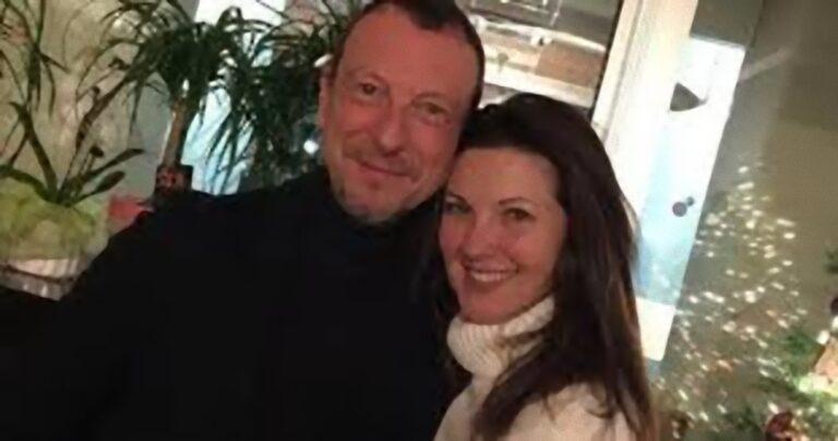 Amadeus, la moglie Giovanna Civitillo brutalmente offesa sui social: lei replica alle accuse
