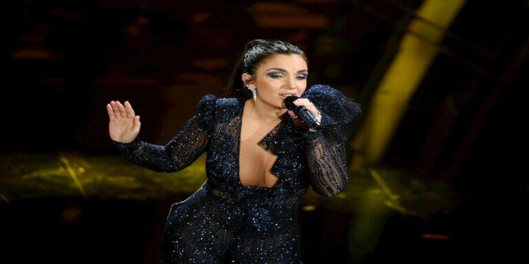 Elettra Lamborghini, gli abiti visti a Sanremo hanno cifre da capogiro e assurde: ecco cosa ha indossato la cantante