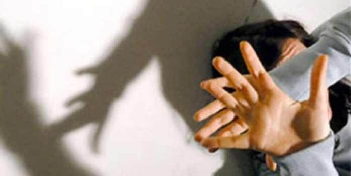 Bimba di 3 anni quasi stuprata