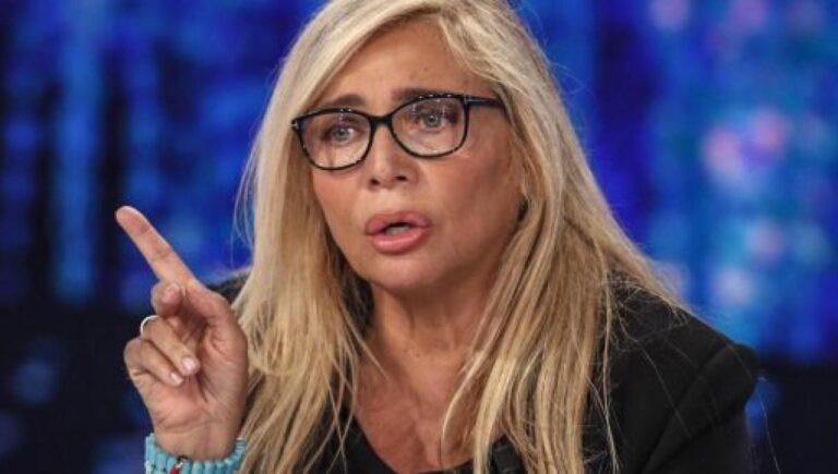 Domenica in, puntata cancellata, Mara Venier nel panico, ma cosa è successo?