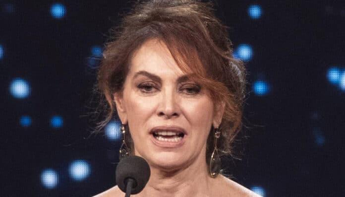 Elena Sofia Ricci racconta le esperienze negative con gli uomini