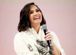 Demi Lovato racconta di aver fatto coming out sulla propria sessualità ai genitori