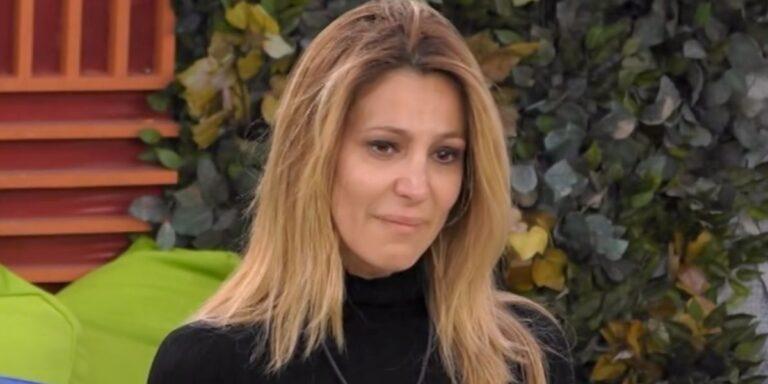 """Grande Fratello Vip, la tenera dedica di Adriana Volpe:""""La vita può allontanarci…"""" (Video)"""