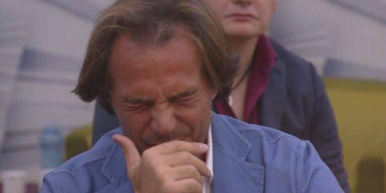Antonio Zequila scoppia a piangere al GF VIP: il dolore per la perdita è troppo forte (VIDEO)