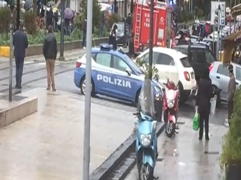 Messina, spara ad una tabaccaia e poi si uccide: ferita un'altra donna