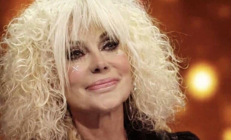 """Donatella Rettore ha un tumore """"Devo rioperarmi d'urgenza"""""""