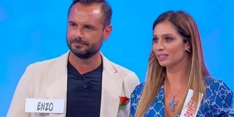 Uomini e Donne, Enzo replica sui social: 'Non ho lasciato Pamela!'
