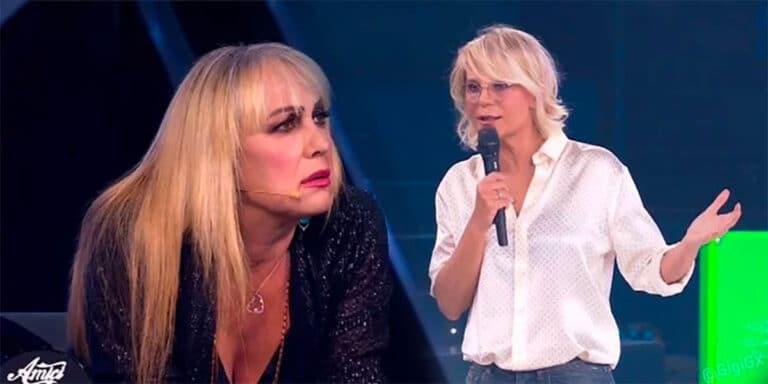 """Alessandra Celentano asfaltata da Maria De Filippi, """"Quelle come te…."""" (Video)"""