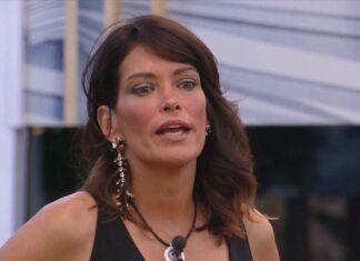 Fernanda Lessa è convinta che la negatività di Antonella Elia muova le sedie