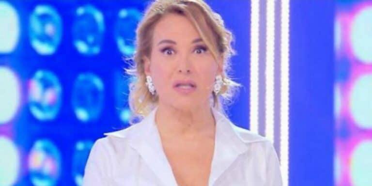 """Pomeriggio Cinque, Barbara D'Urso s'infuria in diretta: """"Siete solo dei deficienti…"""""""