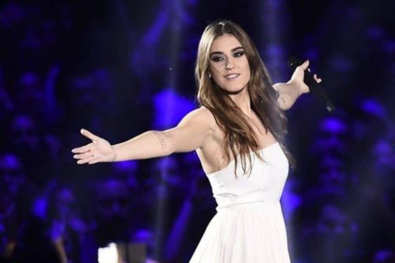 Amici Speciali, sguardi complici tra Gaia Gozzi e un altro cantante