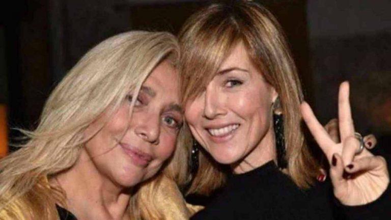 Venier tradita dalla figlia Elisabetta: Zia Mara a sorpresa in posa piccante