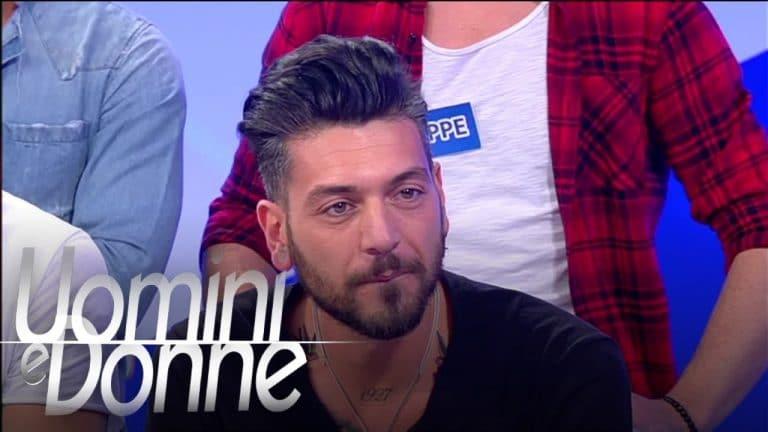 """Alessandro Calabrese di Uomini e Donne aggredito, """"Fate schifo.."""""""