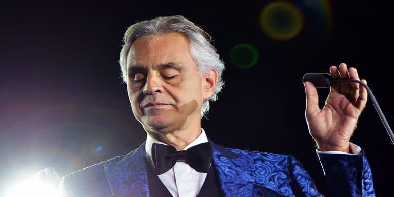 """Andrea Bocelli: """"La mia famiglia contagiata dal Covid, ora dona il plasma"""""""