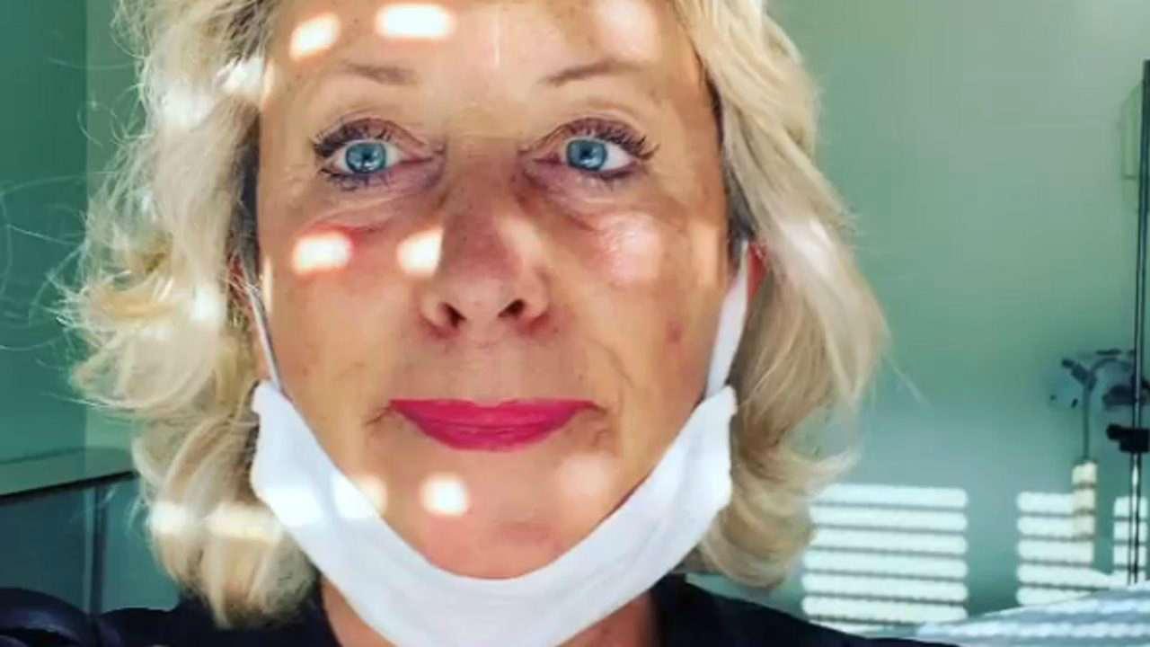 Carolyn Smith brutta disavventura domestica lividi e dolori (Foto)