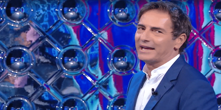 """Reazione a Catena, """"Cadono dall'uccello"""": concorrente spiazza Marco Liorni, """"Ma è por*o?"""""""