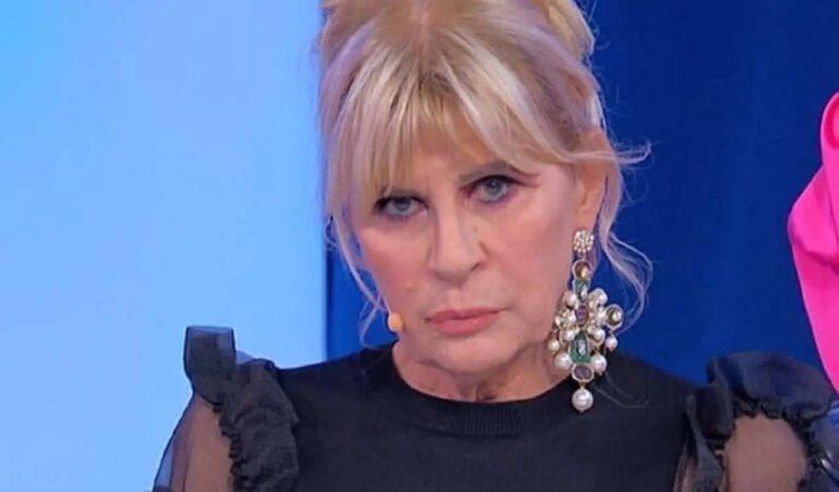 """Uomini e Donne, Gemma Galgani sta recitando? Giornalista la smaschera: """"Questo ruolo le fa gioco"""""""