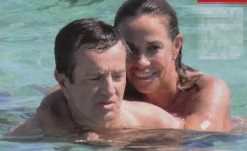 Cristina Parodi in vacanza a Formentera con il marito? Scoppia la polemica