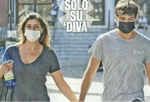 Elisa e Raimondo insieme a Roma
