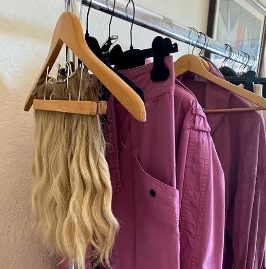 Storie IG di Alessia Marcuzzi che mostra la parrucca