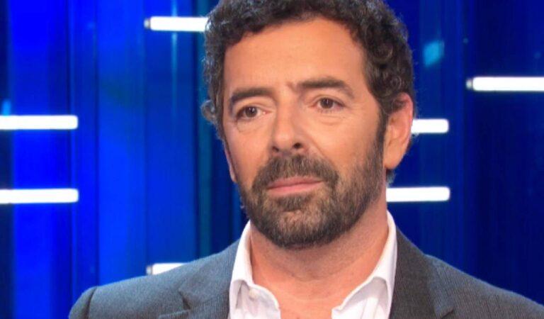 """Alberto Matano decide di esporsi """"Ho una relazione importante da qualche anno e…"""""""